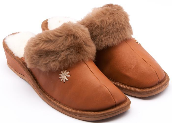 f215b6797f5 Lesta    Dámská dmácí obuv