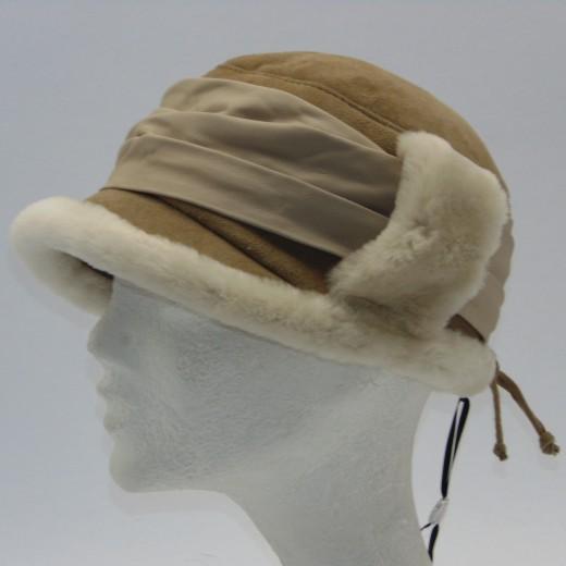 VÝPRODEJ - Kožešinová čepice. dsc00768.jpg béžová 950451dcc3